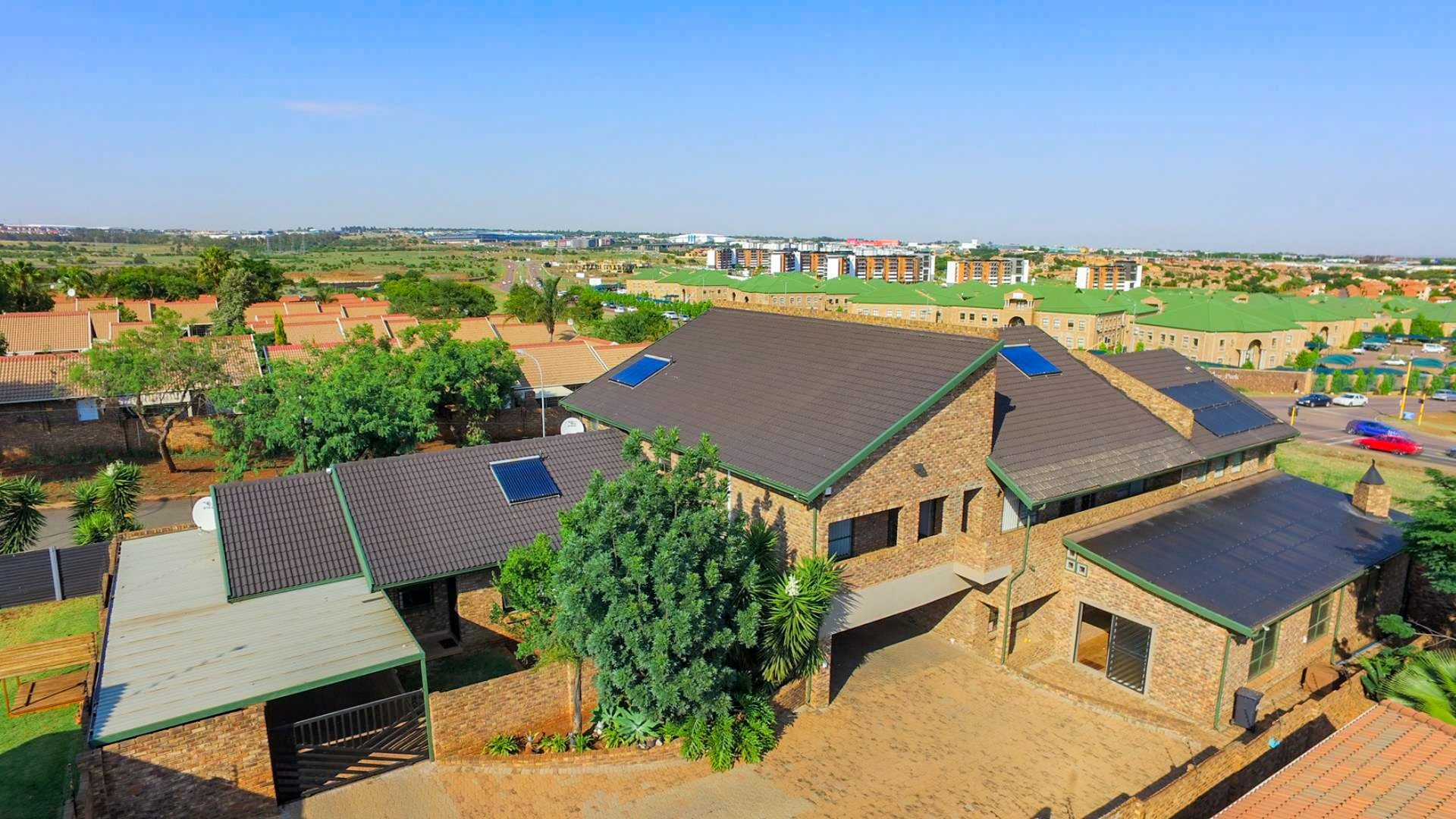 Property and Houses for sale in Highveld, House, 7 Bedrooms - ZAR 3,950,000