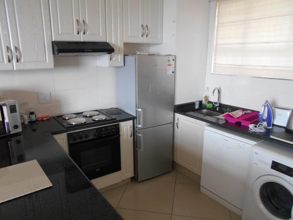 Property and Houses for sale in Doonside, Apartment, 2 Bedrooms - ZAR 995,000