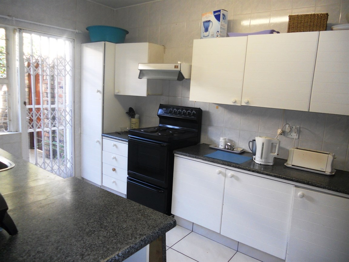 Bryanston property to rent. Ref No: 13526021. Picture no 8