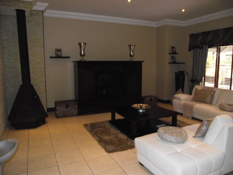 Midstream Estate property for sale. Ref No: 13477549. Picture no 4