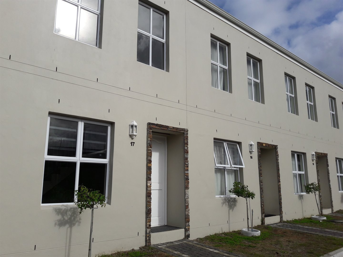 Property and Houses for sale in Paarl South, Apartment, 2 Bedrooms - ZAR 1,099,000