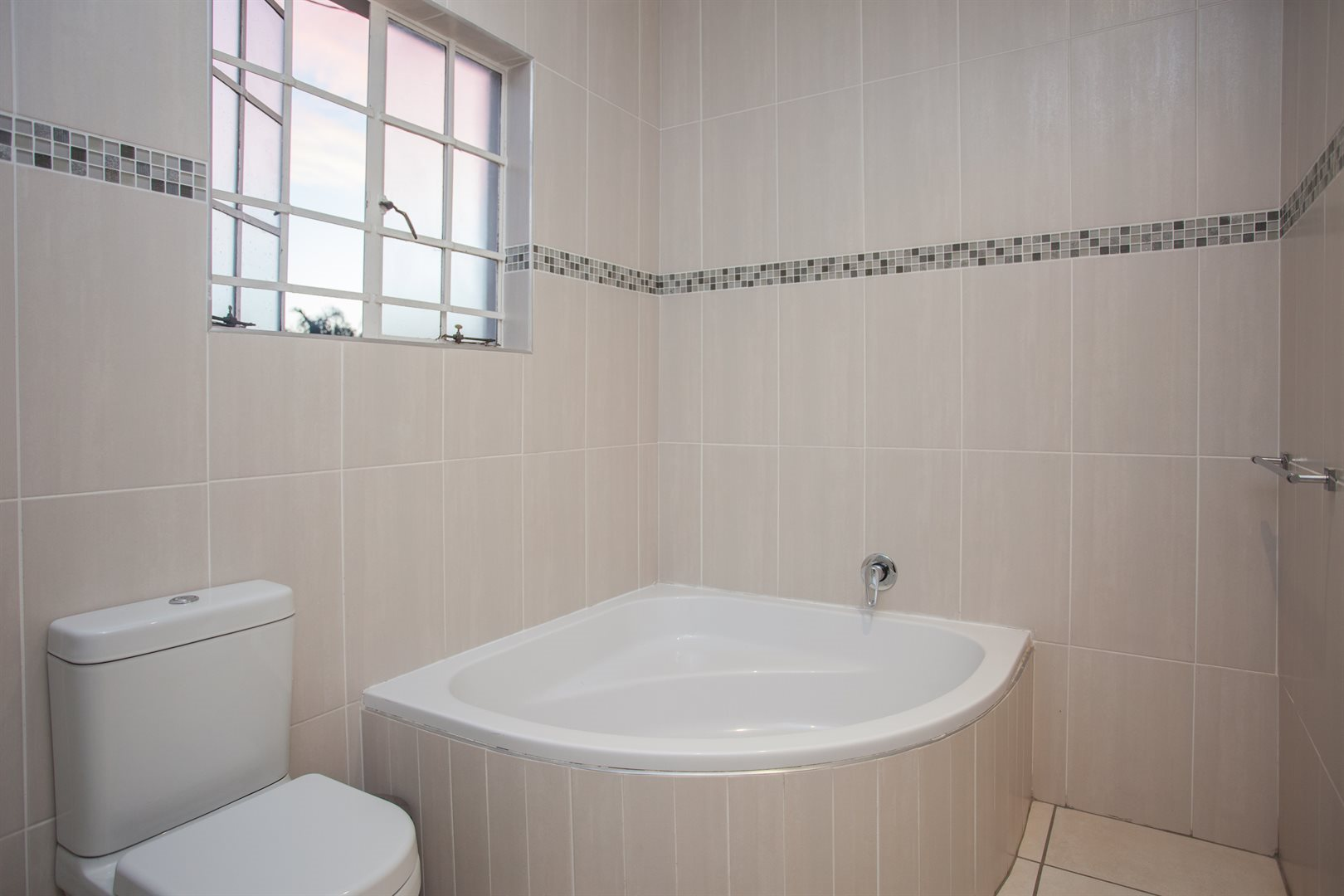 Fourways property for sale. Ref No: 13541531. Picture no 13
