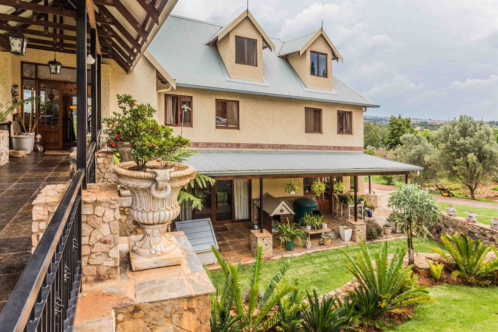 Property and Houses for sale in Mooikloof, House, 4 Bedrooms - ZAR 12,810,000