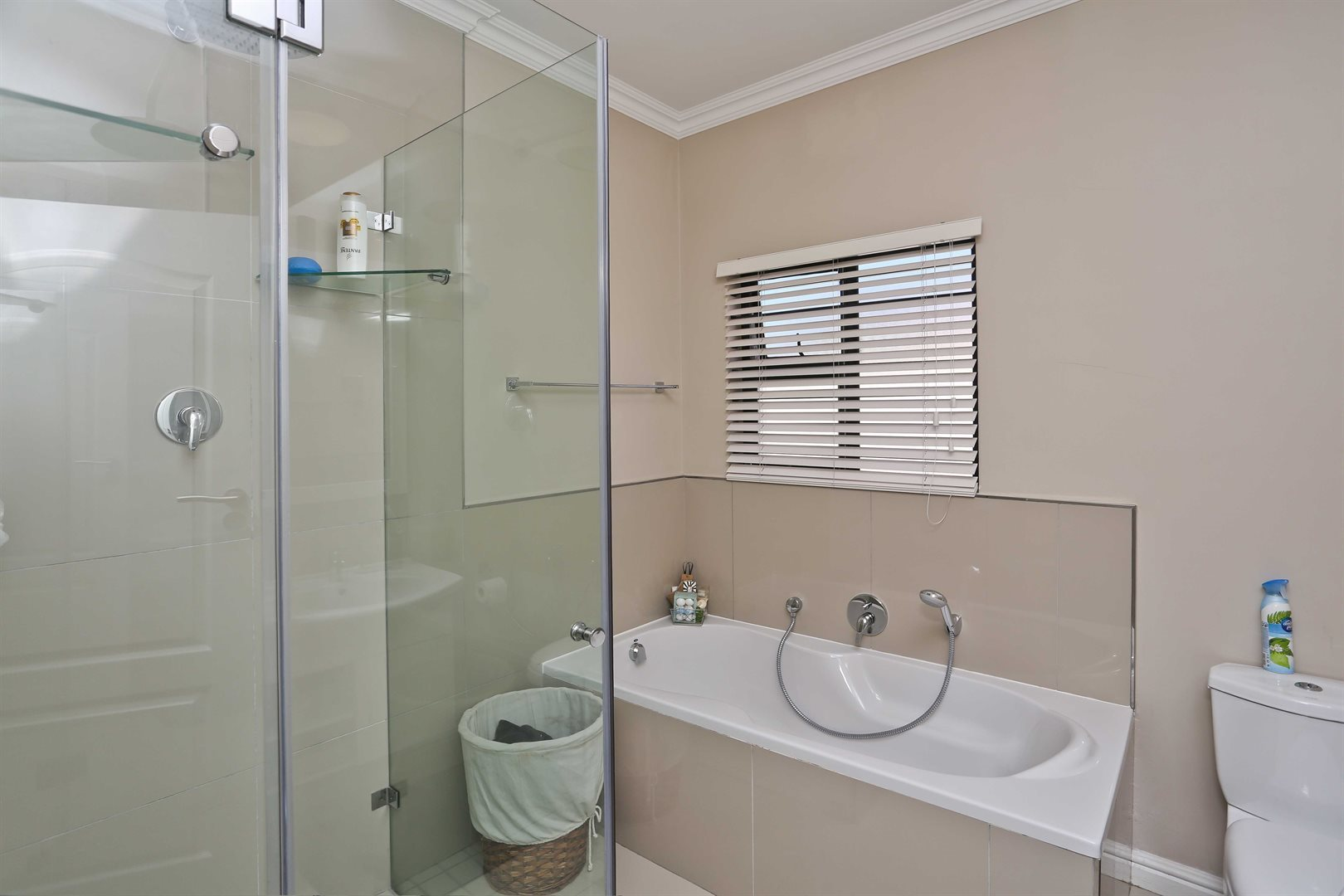 Plumstead property for sale. Ref No: 13581245. Picture no 21