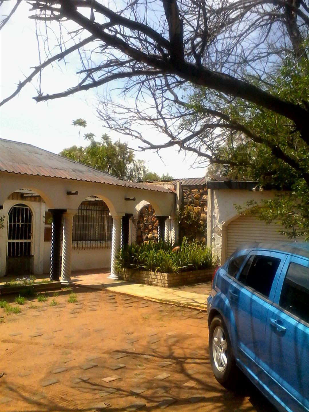 Roods Gardens property for sale. Ref No: 13462019. Picture no 3