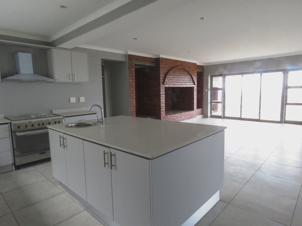 Yzerfontein property for sale. Ref No: 13538718. Picture no 5