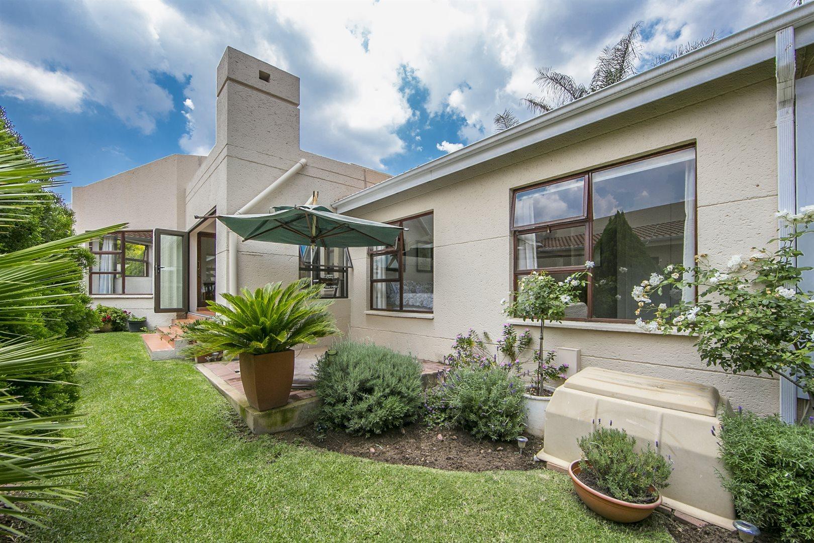 Sandton, Douglasdale Property  | Houses For Sale Douglasdale, Douglasdale, House 3 bedrooms property for sale Price:1,999,000