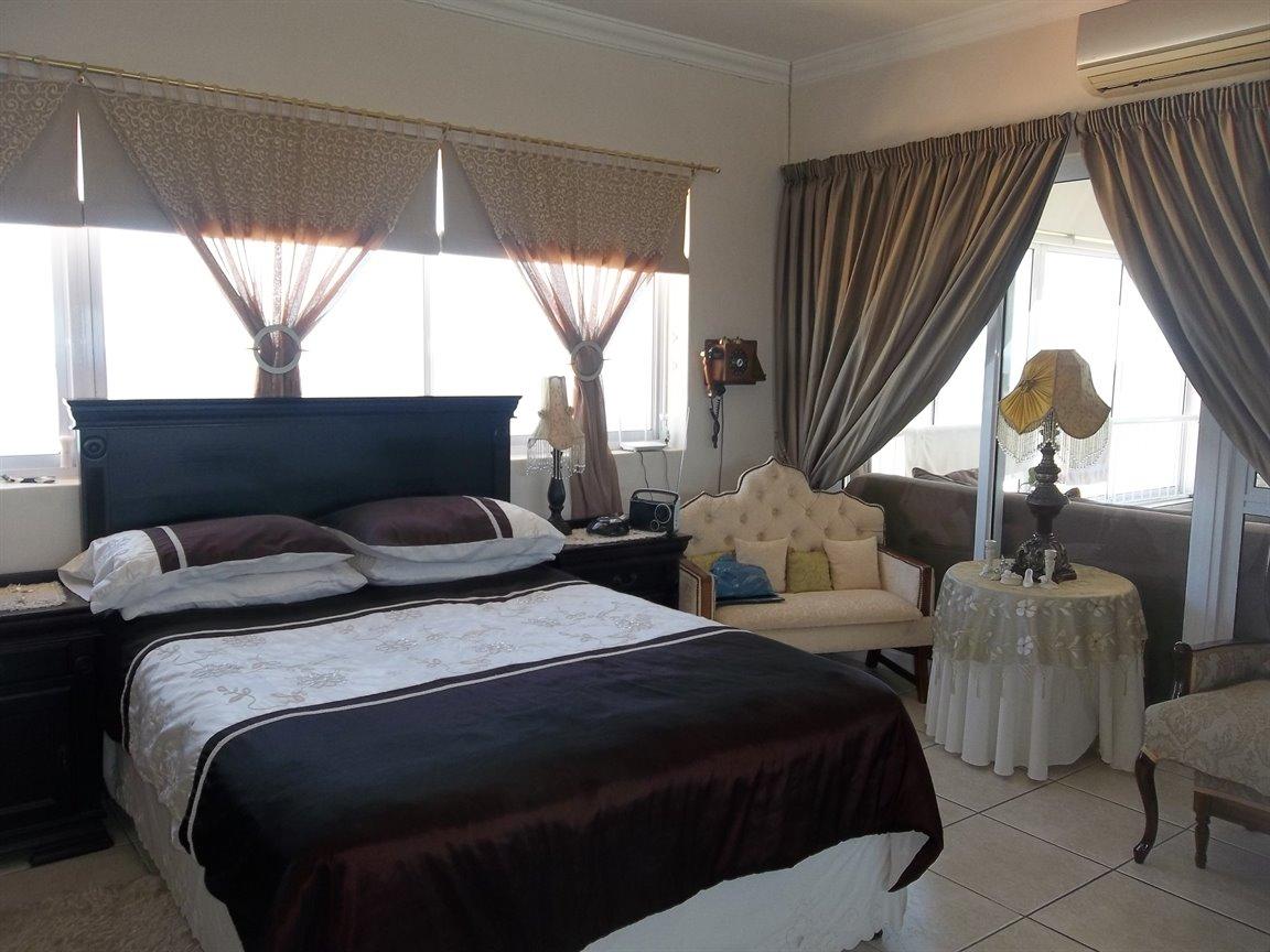 Amanzimtoti property for sale. Ref No: 13400263. Picture no 9
