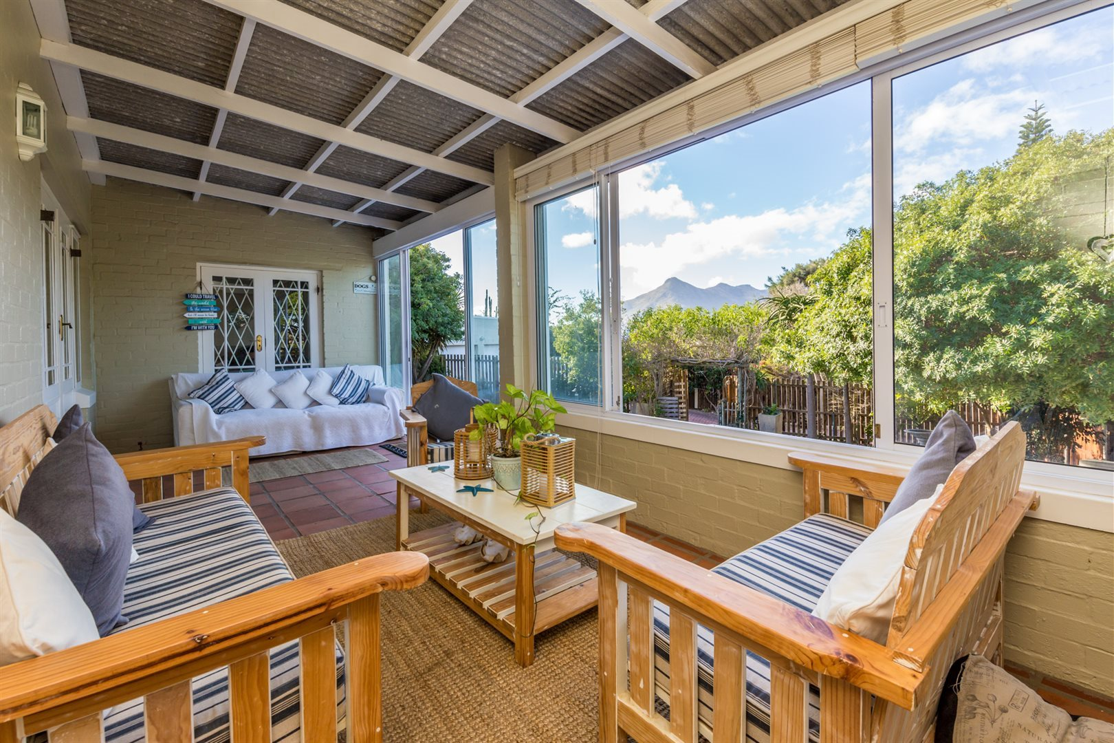 Property and Houses for sale in Milkwood Park, House, 3 Bedrooms - ZAR 3,299,000