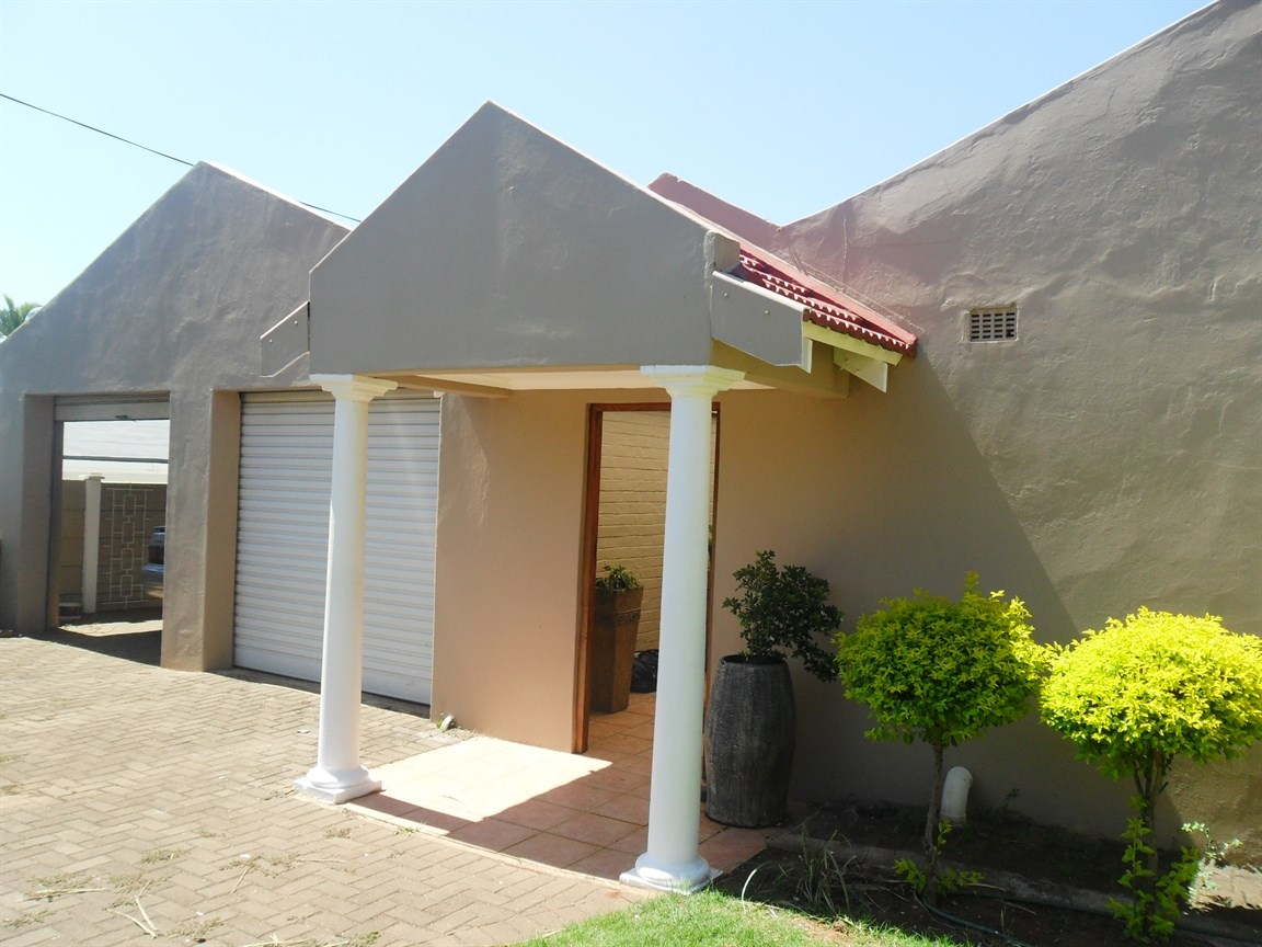 Umkomaas, Umkomaas Property  | Houses For Sale Umkomaas, Umkomaas, House 5 bedrooms property for sale Price:1,500,000