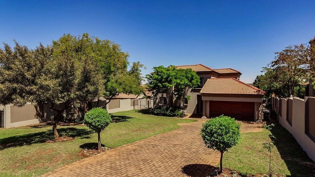 Property and Houses for sale in Irene View Estate, House, 4 Bedrooms - ZAR 2,850,000