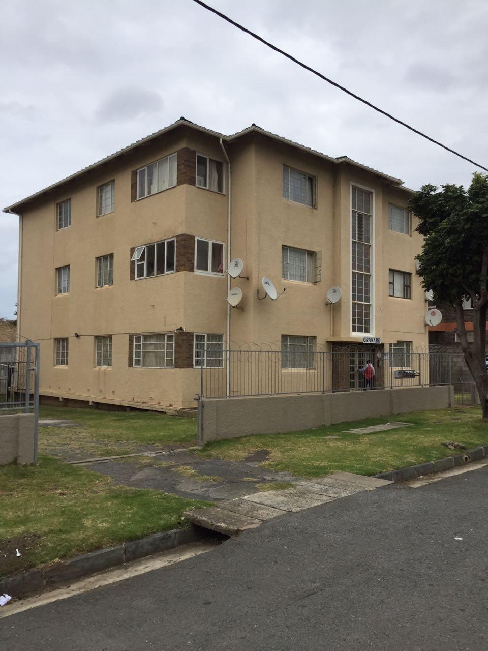 Property for Sale by DLC INC. ATTORNEYS Ernest De La Querra, Apartment, 2 Bedrooms - ZAR 530,000