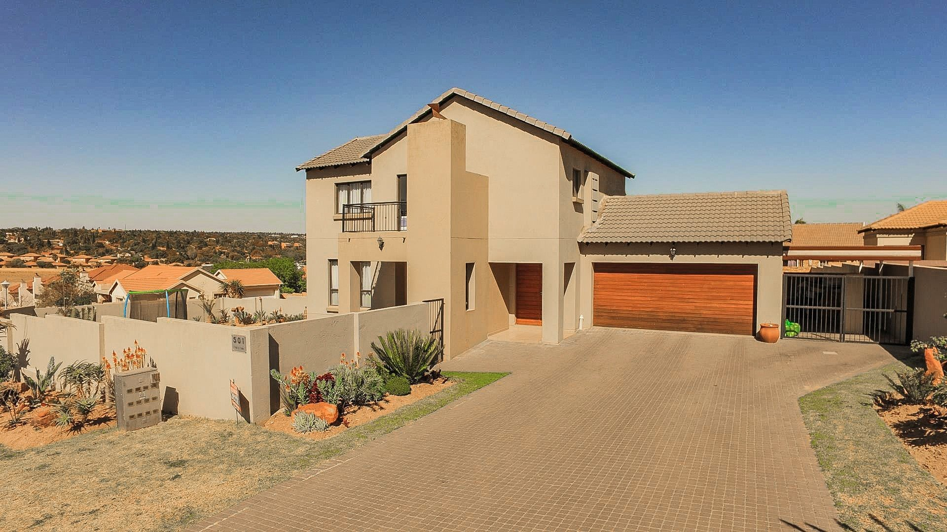 Property and Houses for sale in Thatchfield Estate, House, 3 Bedrooms - ZAR 1,890,000