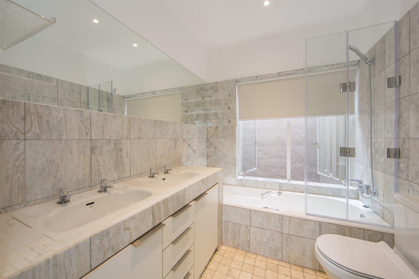 Fourways property to rent. Ref No: 13541041. Picture no 13