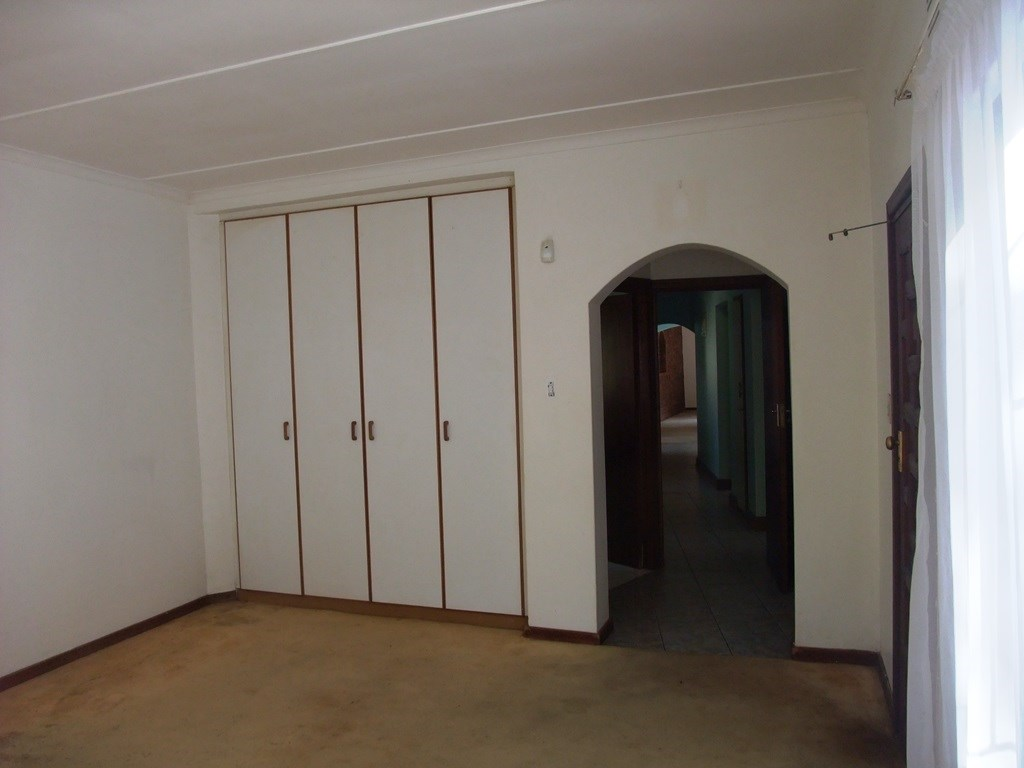 Uvongo property for sale. Ref No: 13291127. Picture no 17