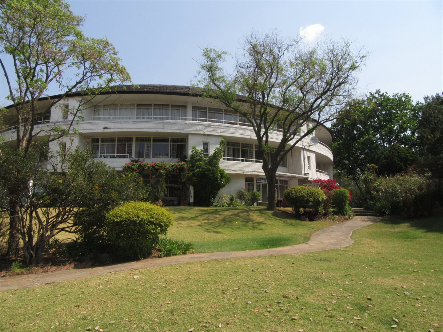 Bryanston East property for sale. Ref No: 13533607. Picture no 9