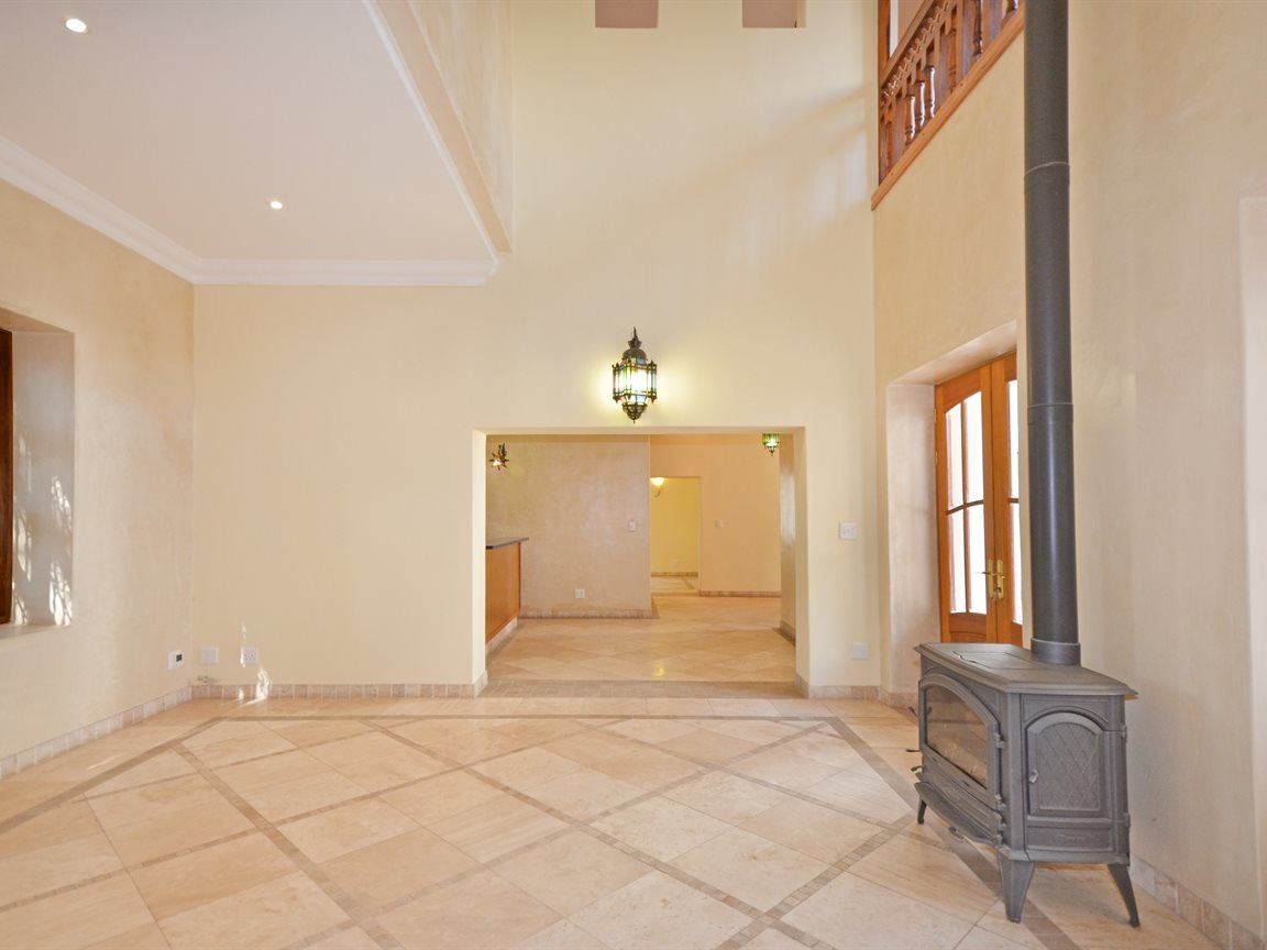 Houghton Estate property for sale. Ref No: 13429040. Picture no 7