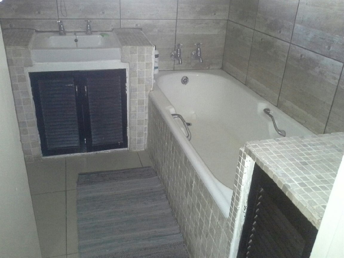 Three Rivers East property for sale. Ref No: 13273776. Picture no 5