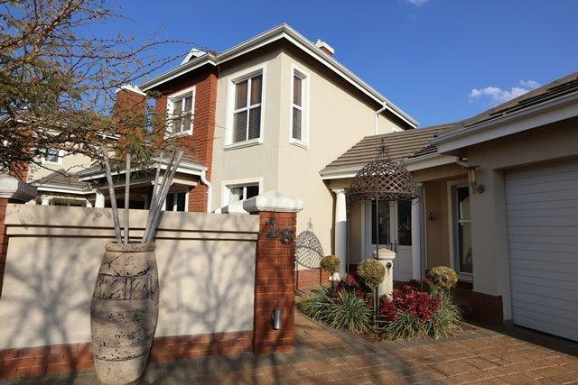 Midstream Estate property for sale. Ref No: 13254174. Picture no 1