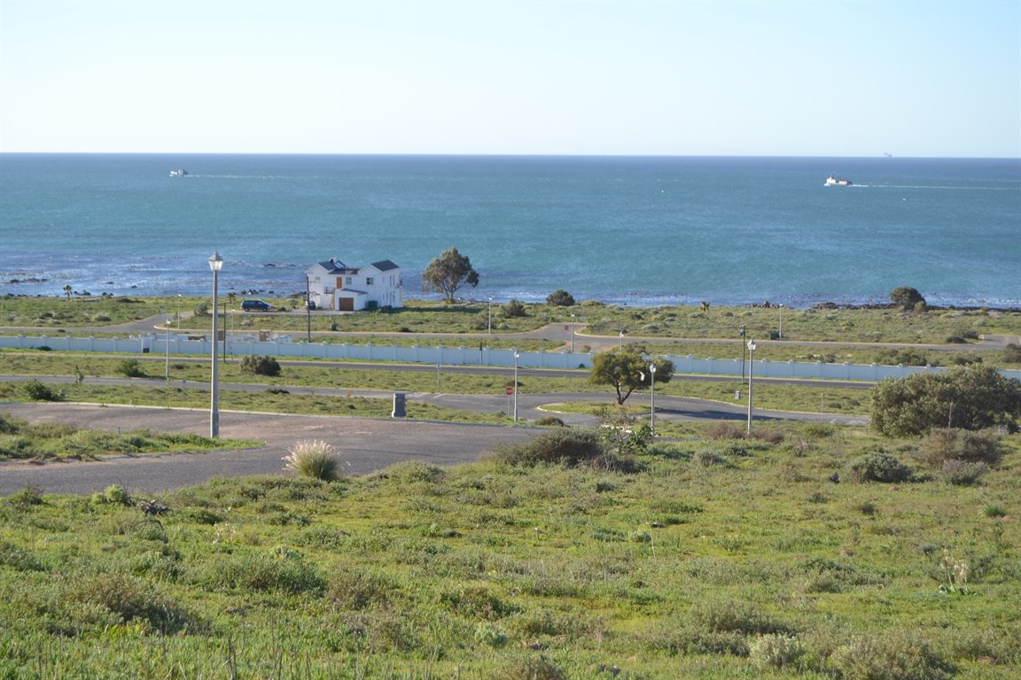 Da Gama Bay property for sale. Ref No: 12787931. Picture no 11