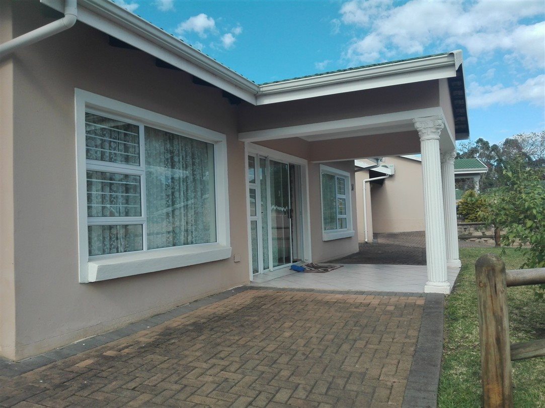 Uvongo property for sale. Ref No: 13369451. Picture no 4
