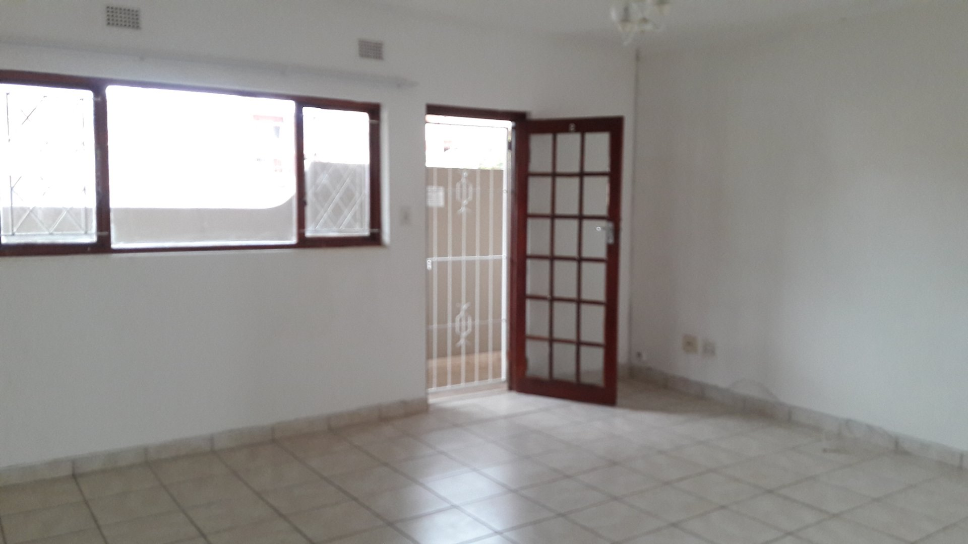 Property and Houses to rent in Scottburgh Central, Apartment, 1 Bedrooms - ZAR ,  4,00*,M