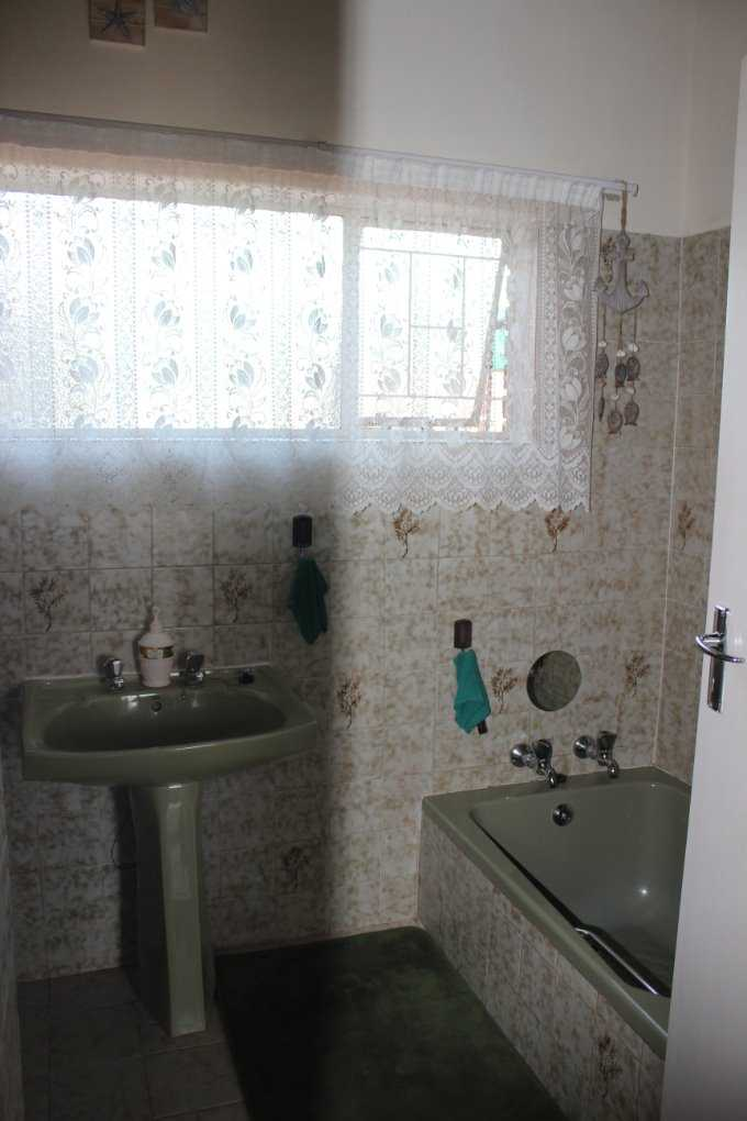 Theresapark property for sale. Ref No: 13568221. Picture no 18