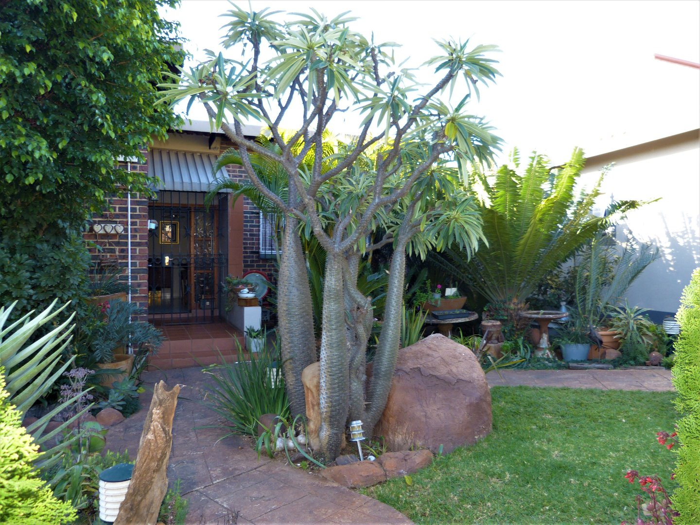 Property and Houses for sale in Capital Park, House, 4 Bedrooms - ZAR 2,300,000