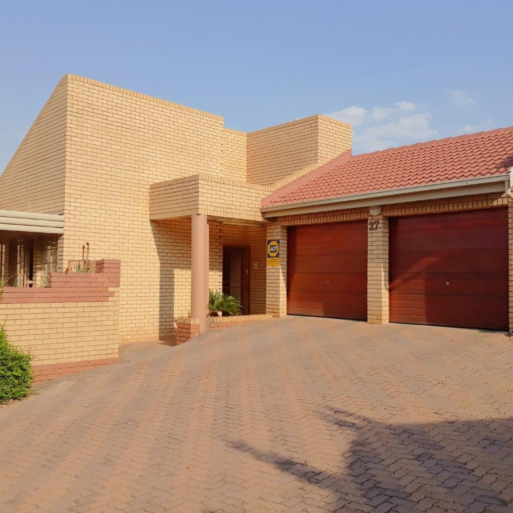 Property and Houses to rent in Gauteng - Page 2, Apartment, 3 Bedrooms - ZAR , 12,50*,M