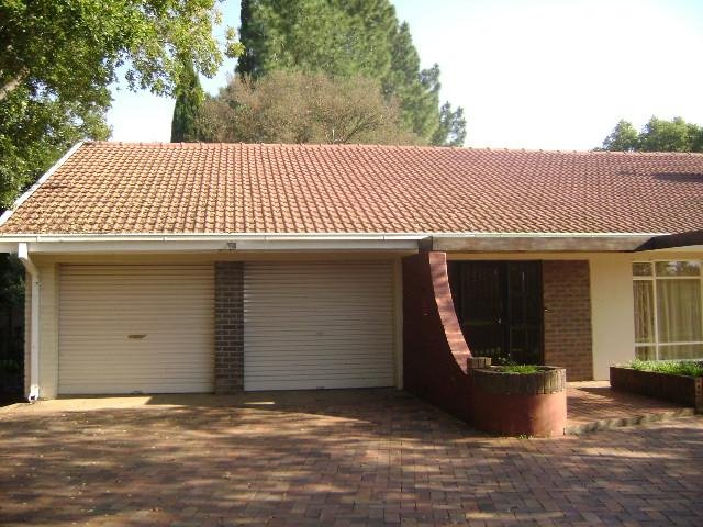 Three Rivers property for sale. Ref No: 13375540. Picture no 1