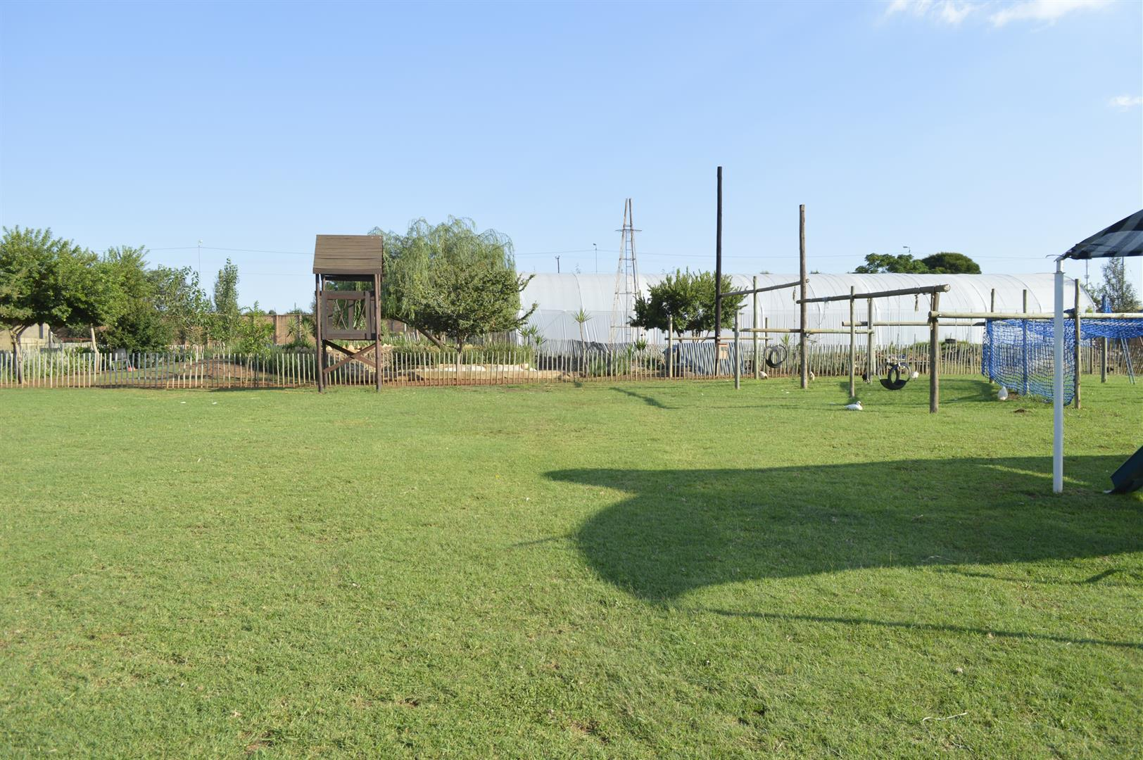 Raslouw A H property for sale. Ref No: 13442161. Picture no 26