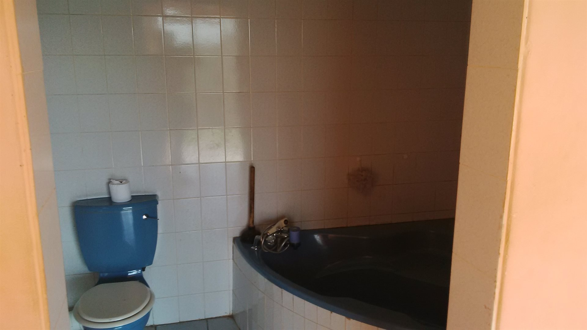 Doonside property for sale. Ref No: 13522465. Picture no 10