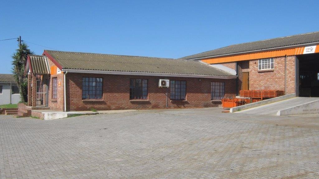 Property and Houses to rent in Eastern Cape, Commercial - ZAR , 33,00*,M