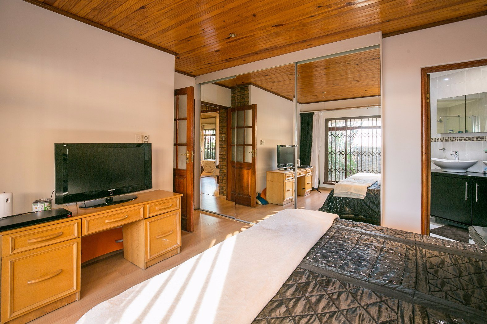 Bassonia property for sale. Ref No: 13506595. Picture no 12