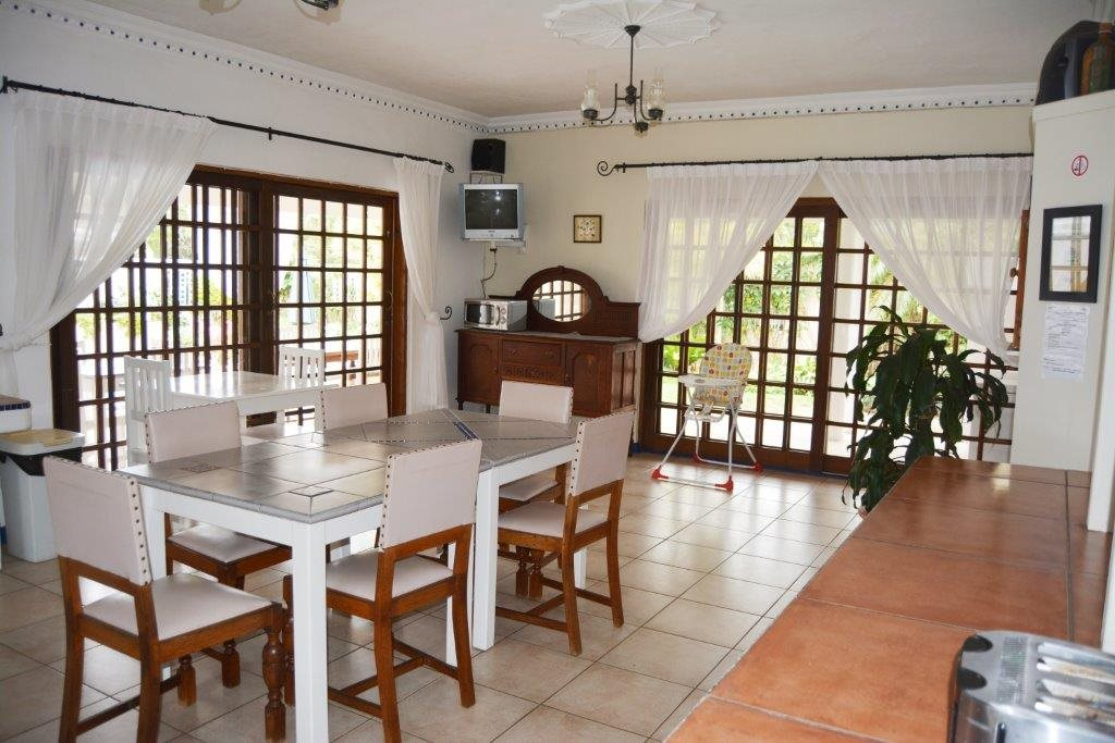 Uvongo property for sale. Ref No: 13386814. Picture no 12