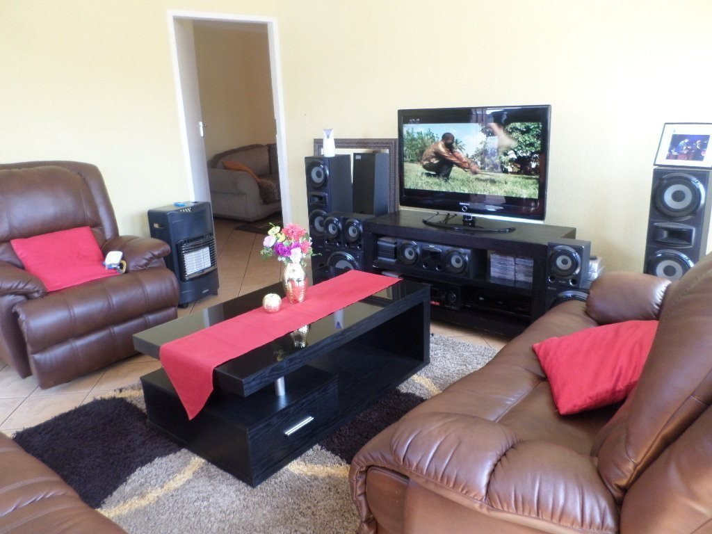 The Orchards property for sale. Ref No: 13527765. Picture no 3