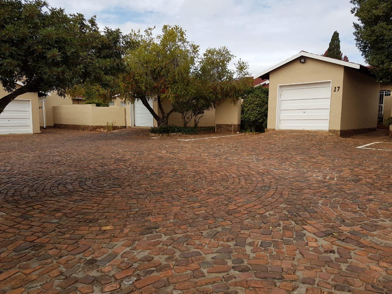 Eldoraigne property for sale. Ref No: 13623334. Picture no 16