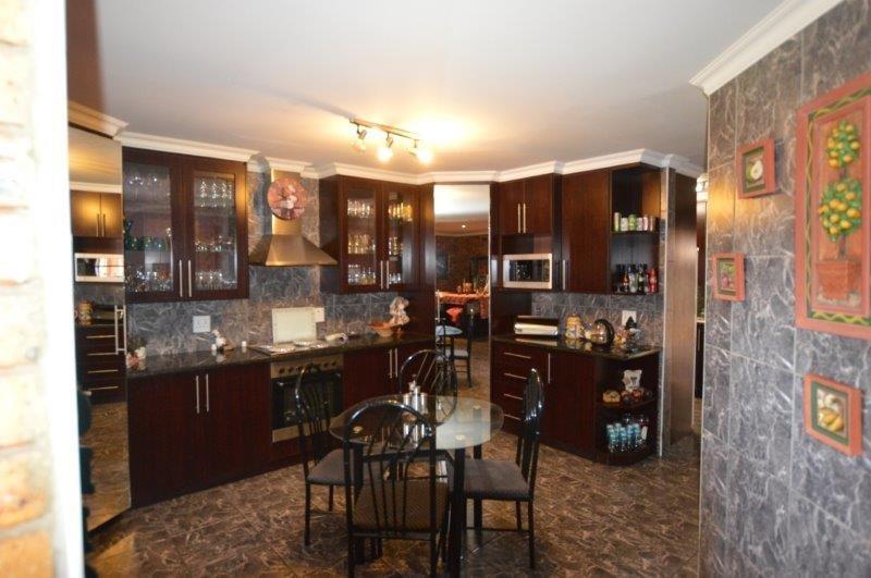 Vanderbijlpark Se8 property for sale. Ref No: 13508216. Picture no 8