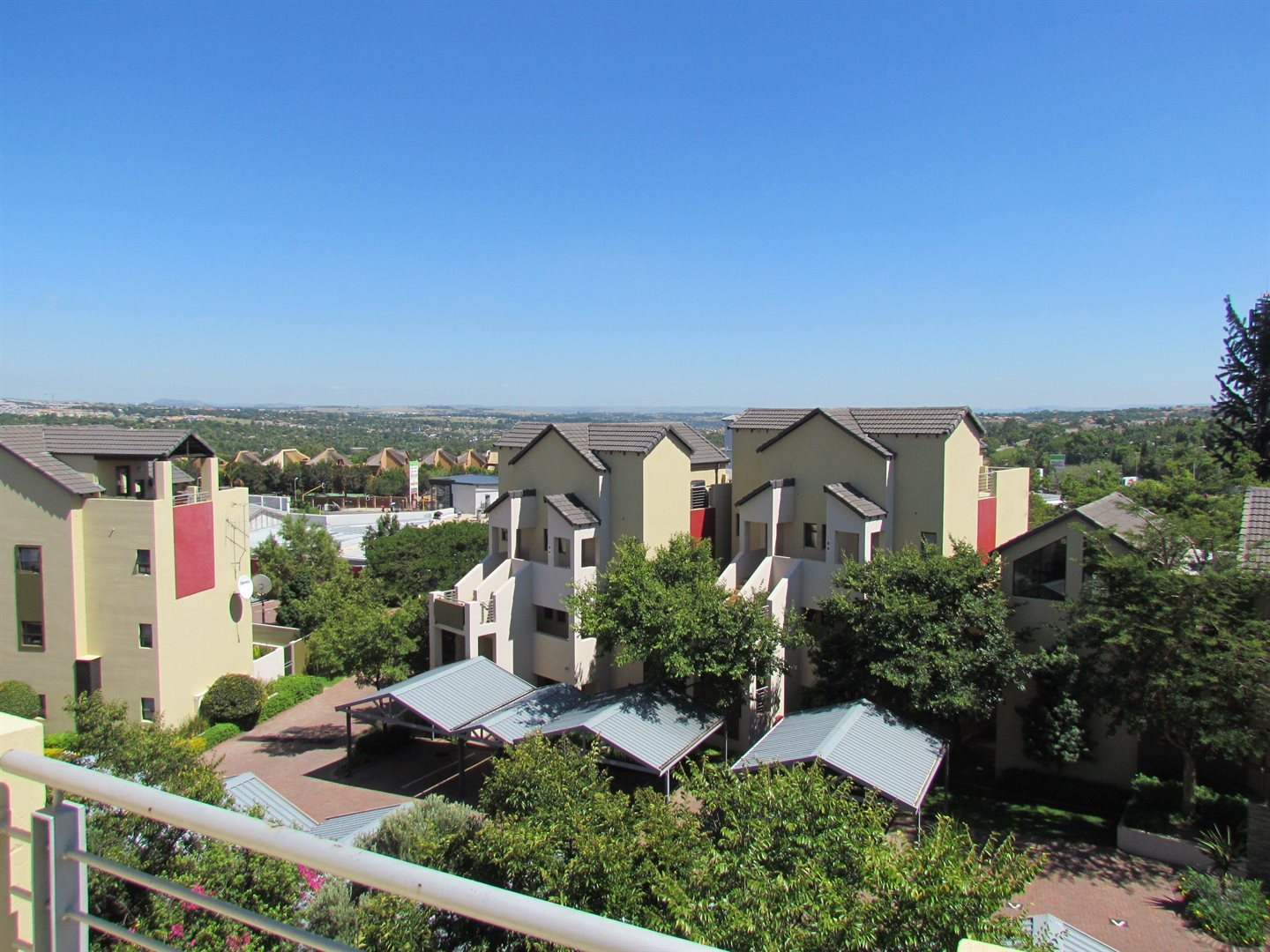 Sandton, Douglasdale Property    Houses For Sale Douglasdale, Douglasdale, Apartment 2 bedrooms property for sale Price:1,295,000