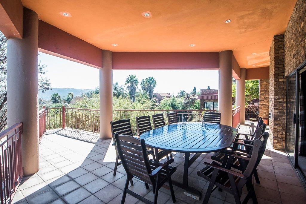 Glenvista property for sale. Ref No: 13500218. Picture no 13