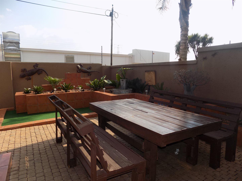 Eldoglen property to rent. Ref No: 13543361. Picture no 23