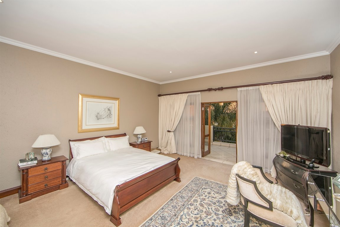 Fourways property for sale. Ref No: 13401727. Picture no 11