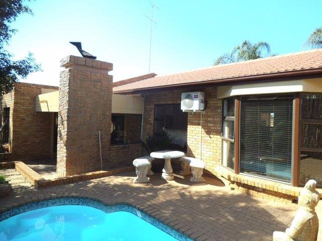 Meyersdal property for sale. Ref No: 13544142. Picture no 14