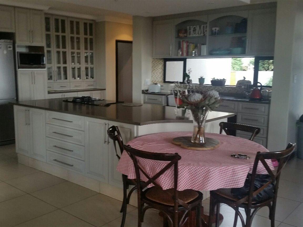 Midfield Estate property for sale. Ref No: 13397837. Picture no 7