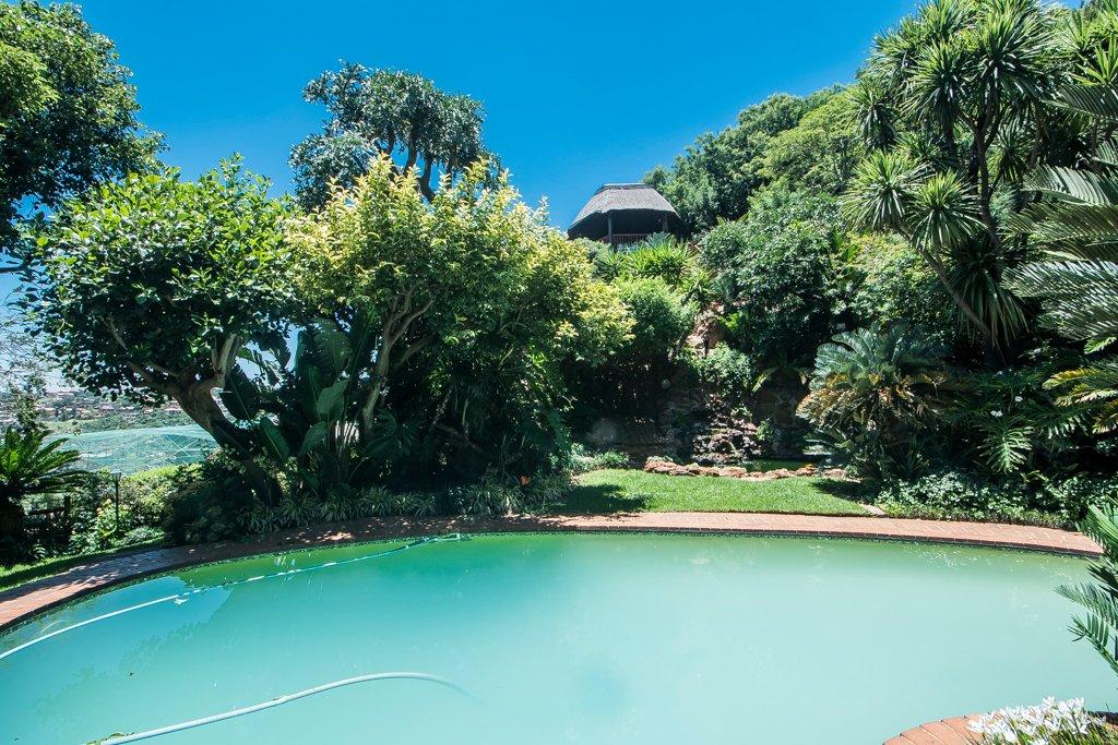 Glenvista property for sale. Ref No: 13529565. Picture no 40