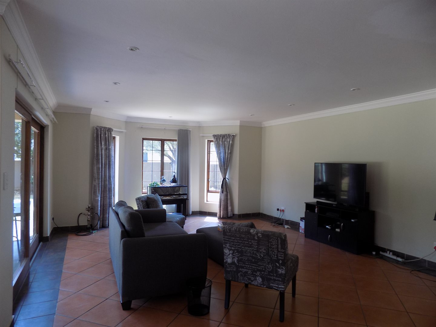 Raslouw Manor property for sale. Ref No: 13535817. Picture no 3