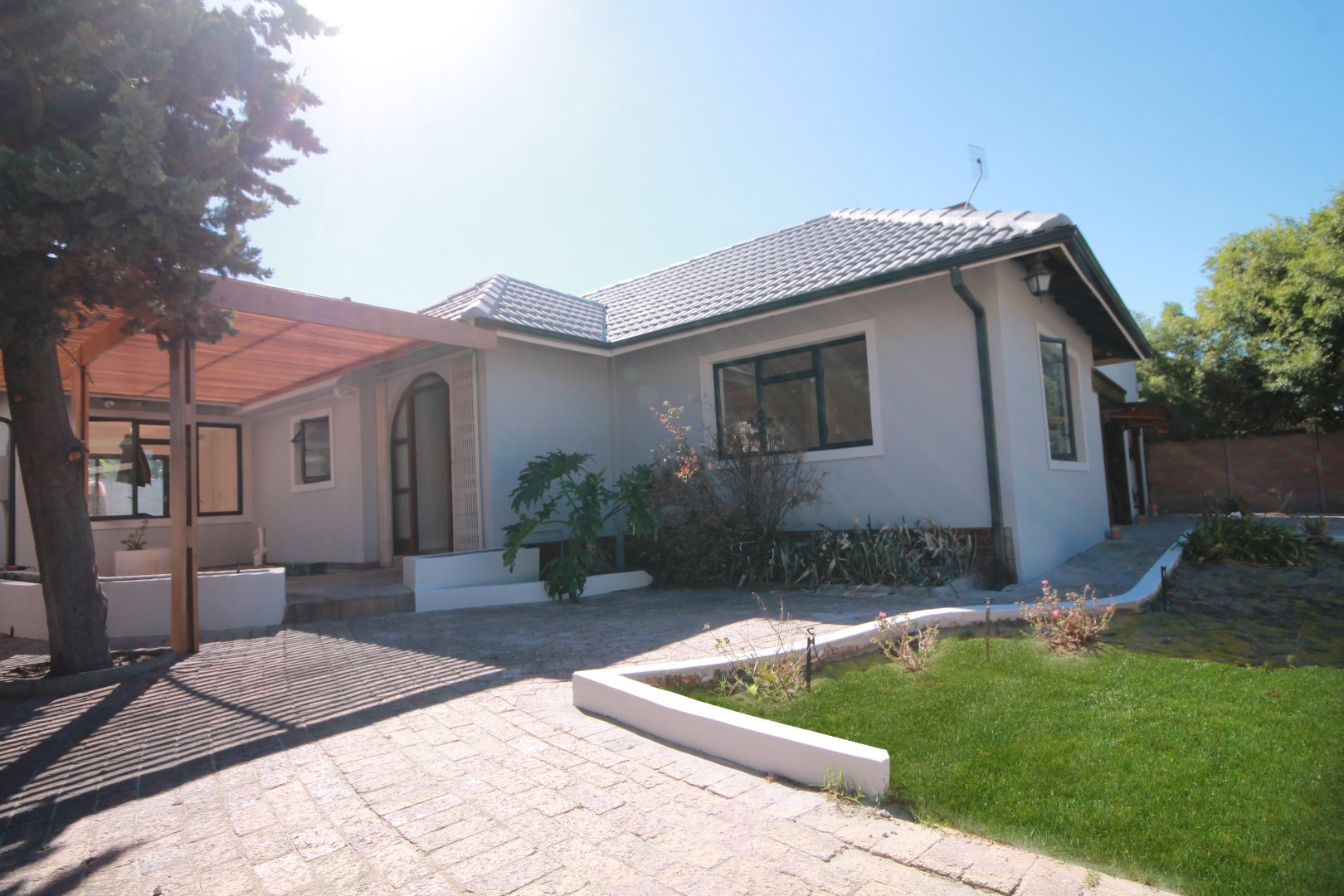 Property and Houses for sale in Pinelands, House, 3 Bedrooms - ZAR 4,350,000
