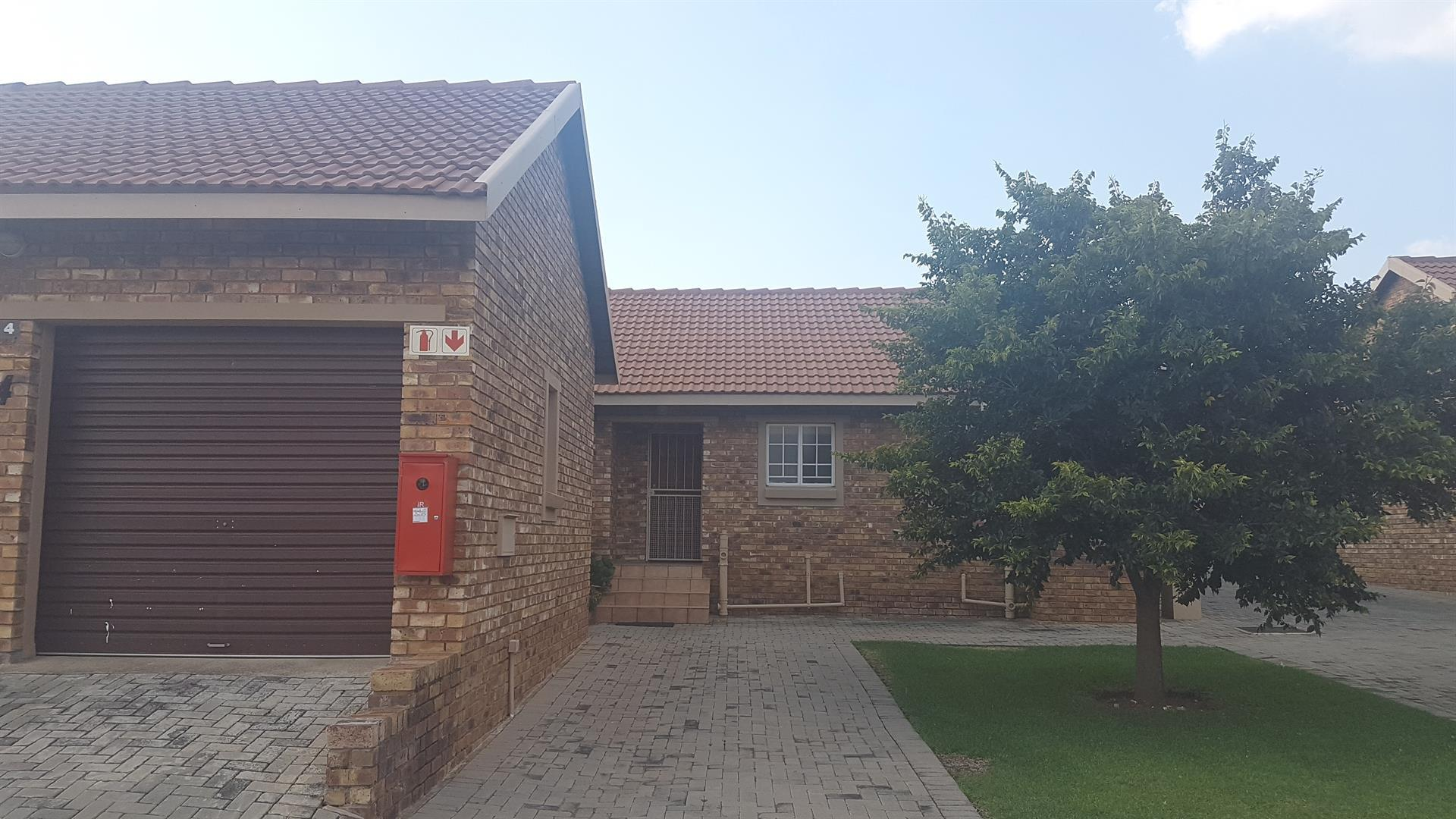 Centurion, Amberfield Property  | Houses To Rent Amberfield, Amberfield, Townhouse 3 bedrooms property to rent Price:, 10,00*