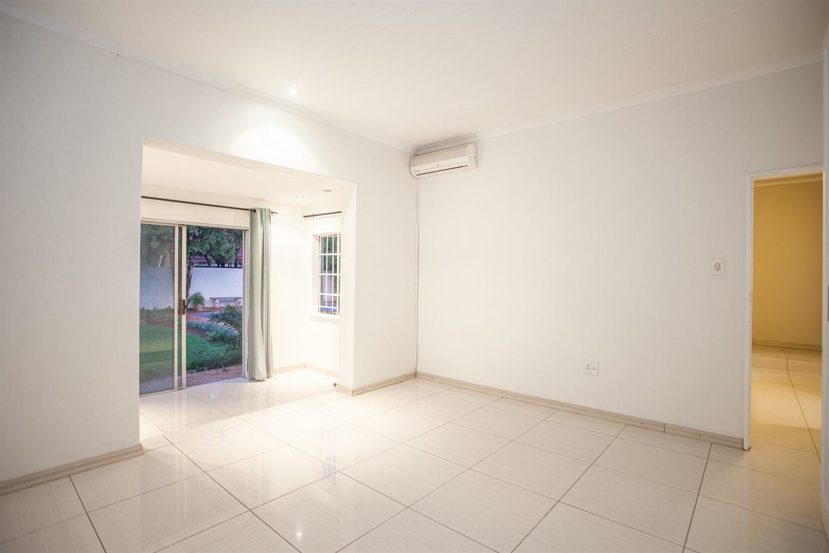 Fourways property for sale. Ref No: 13541531. Picture no 8