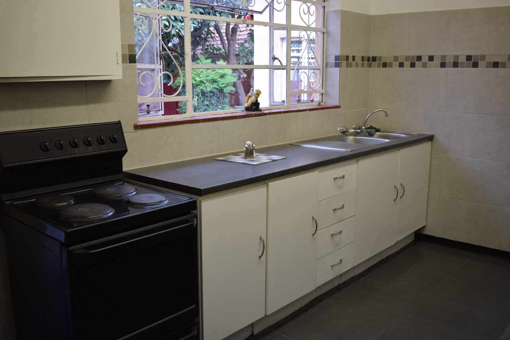 Lyttelton Manor property for sale. Ref No: 13606650. Picture no 3